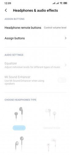 What are the benefits of switching MIUI Region on Xiaomi smartphones? 3